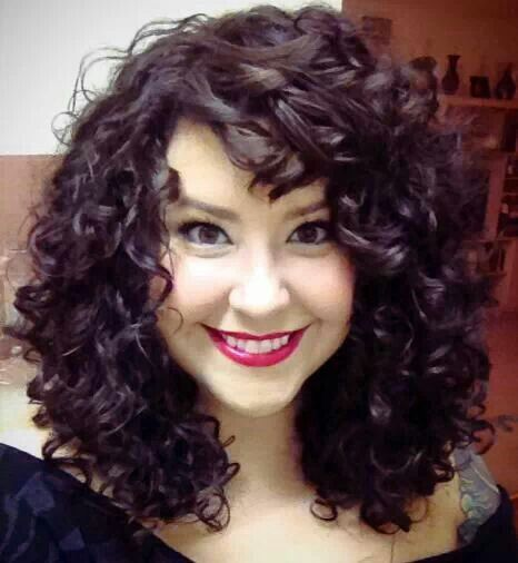 5 Ways To Pump Your Curly Hair Le Coloriste