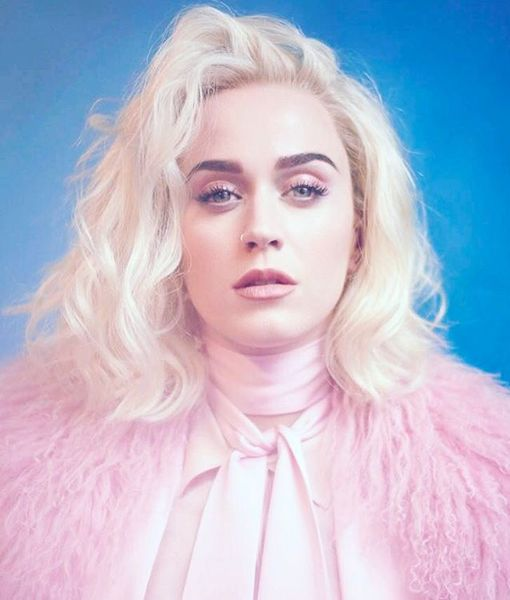 Katy Perry changes her hair color and becomes a platinum blonde, lecoloriste