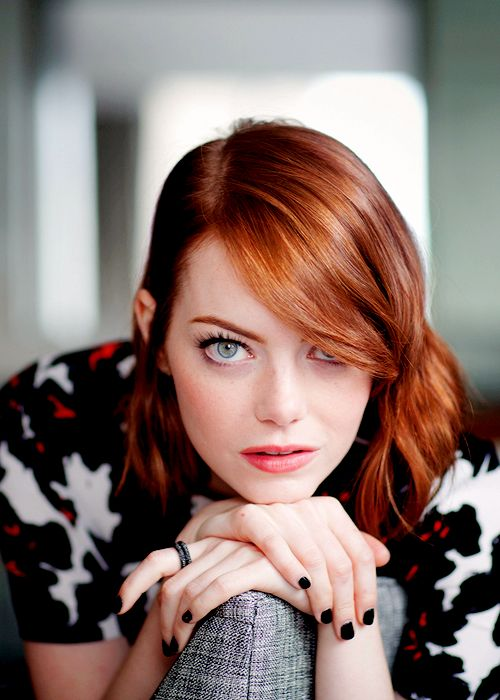 Emma Stone goes from copper to Strawberry blond hair, lecoloriste